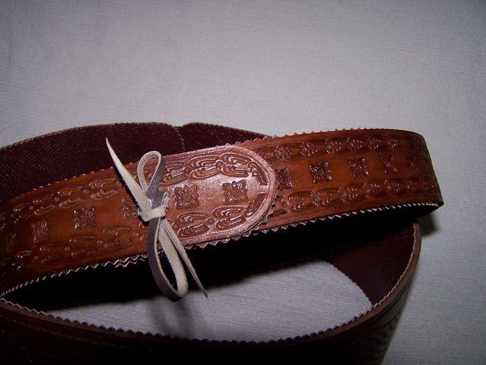 c959b70fef81 Megkötős női öv marha hasszélből, poncolva, pácolva, festve, sertésbőr  béléssel
